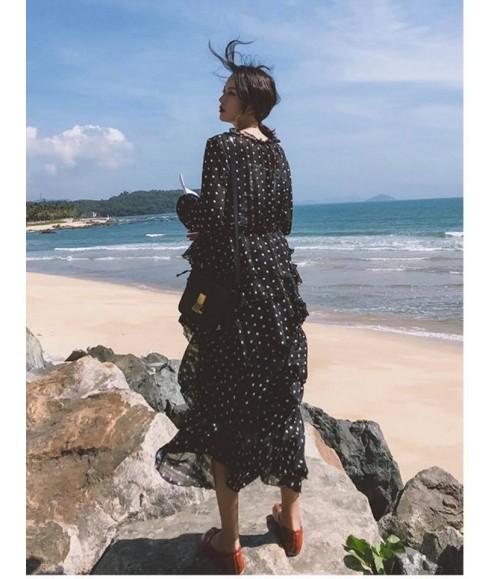 Đầm maxi chấm bi tay dài