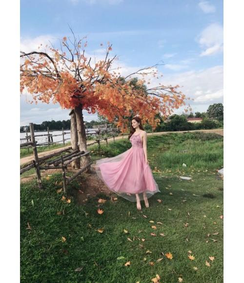 Đầm dạ hội yếm thêu họa tiết